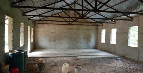 Fortschritt beim Innenausbau des Mädchenwohnheims in der Sekundarschule in Gidel bis August 2020.